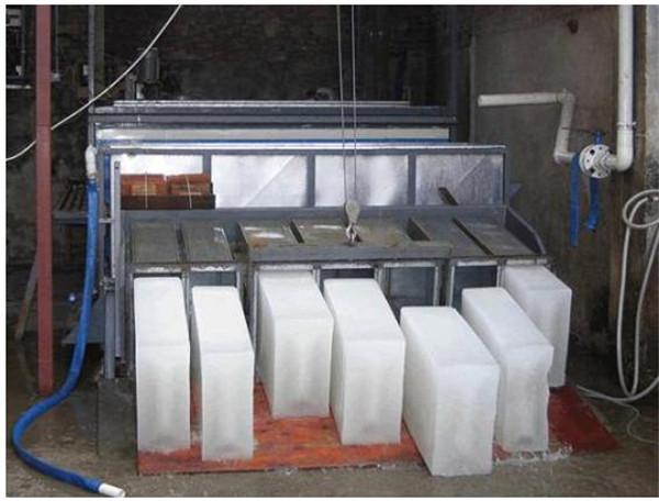 工业冰块 冰块 降温保鲜大冰块 贵州工业冰块批发厂家 吾爱冰块一块