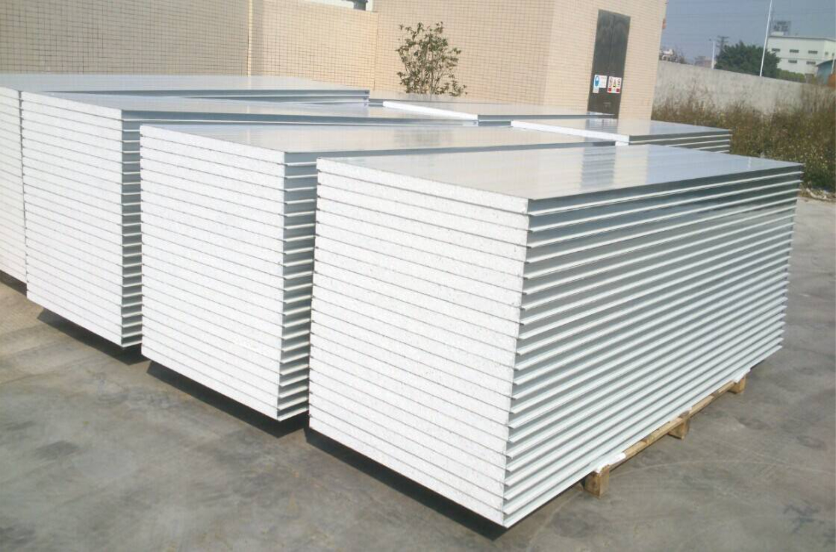 兰州夹芯彩钢板  兰州机制板、夹芯板、聚氨酯夹芯板   岩棉夹芯板