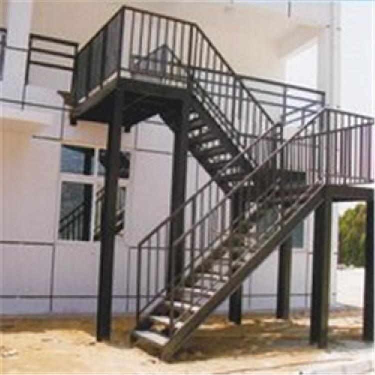 厂家批发铁艺楼梯 欧式庭院仿古大门 别墅锻造铁艺大门 别墅围墙铁艺大门