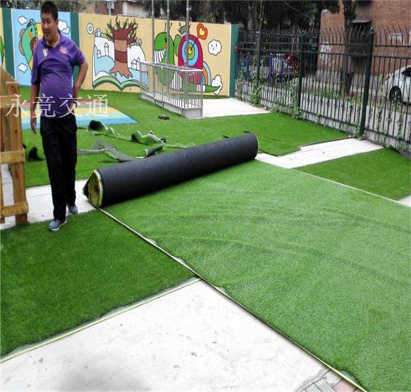 贵州仿真草坪地毯塑料绿植人造草坪阳台户外人工草坪幼儿园假草坪10mm
