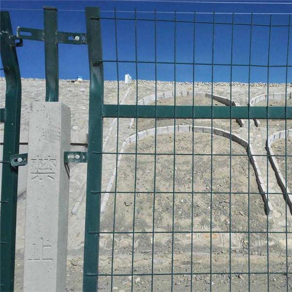 铁路防护网批发  西安铁路护栏网共供应商