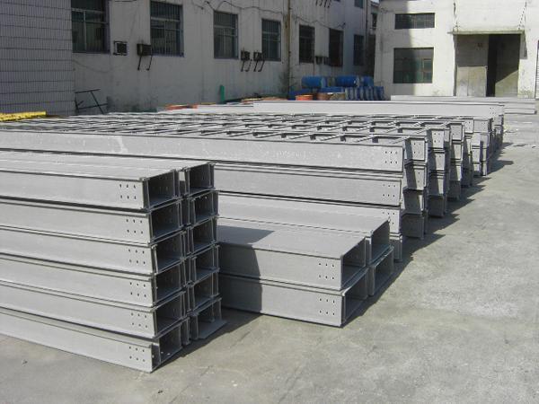 西安厂家直销防火电缆槽 托盘式电缆桥
