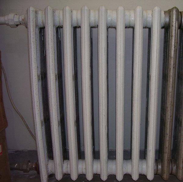 生铁暖气片回收 铸铁暖气片回收价格