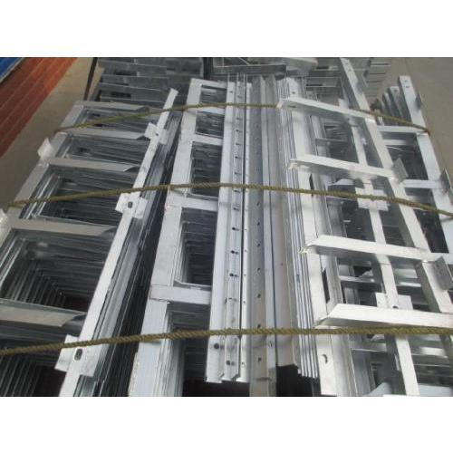 西安钢制电缆桥架厂家 镀锌槽式电缆桥架 电缆沟专用支架