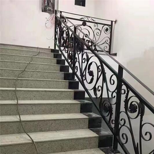 西安铁艺楼梯厂家