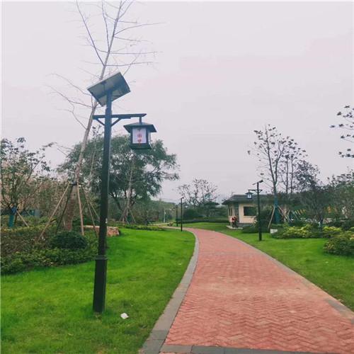 西安新农村太阳能路灯厂家定制 分体式路灯价格