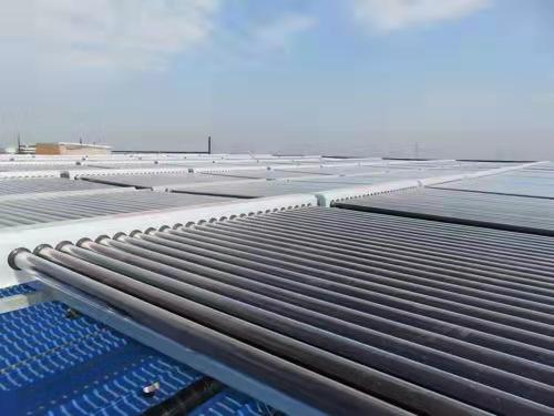 西安太阳能热水器 平板壁挂式太阳能热水器 太阳能热水器厂家工程