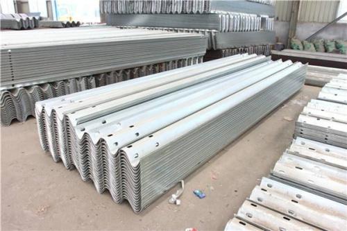 护栏板  护栏板价格 护栏板厂家  甘肃护栏板  兰州护栏板