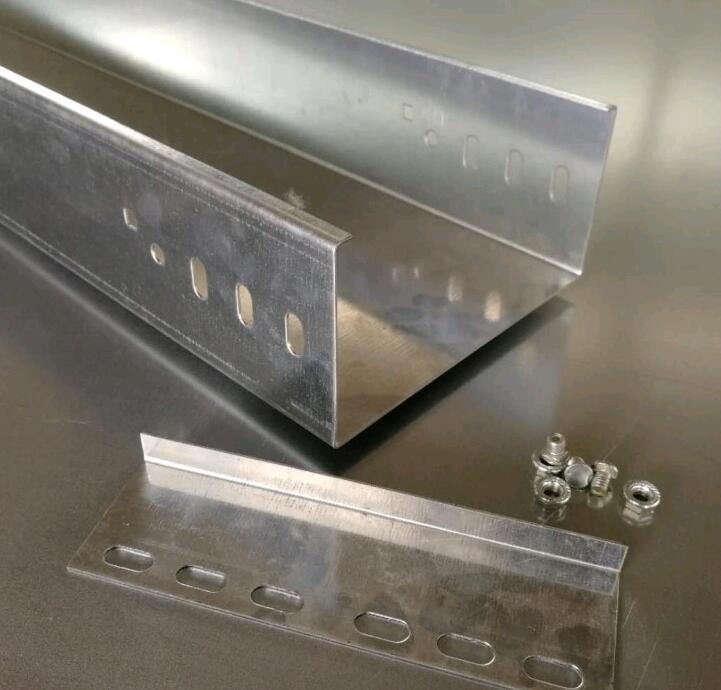 镀锌槽式电缆桥架 200100槽式金属走线架 镀锌线槽金属桥架