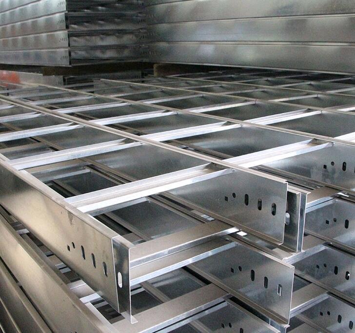 厂家供应梯式大跨距水平电缆桥架 热镀锌槽式直通桥架