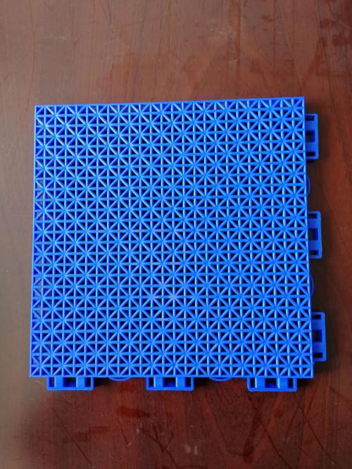 悬浮拼装地板  拼装地板 运动拼装地板 塑料拼装地板 安装悬浮地板 运动地板施工 篮球场悬浮地板 篮球场拼装地板